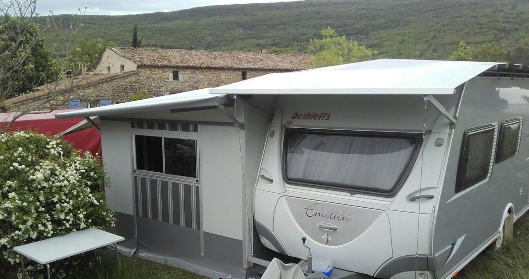 Custom-made-protective-roof-caravan